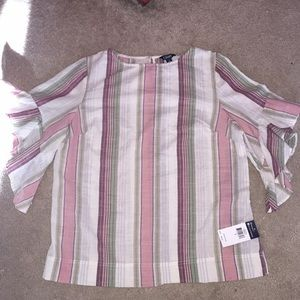 NWT Ladies pull over top.  Cotton.